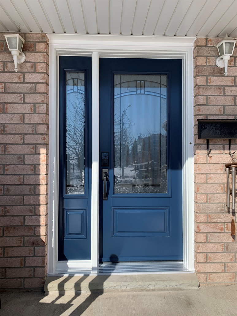 New door and sidelite with decorative glass installed in king city