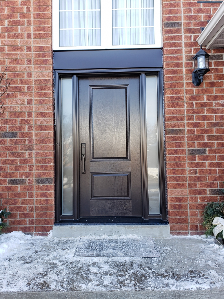 Newmarket front door and sidelites installed by professional installers in stonehaven area